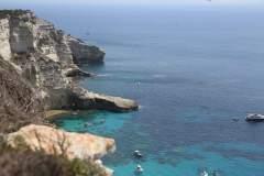 Blick entlang der Felsenküste