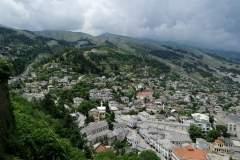 Blick auf Gjirokaster von der Burg aus
