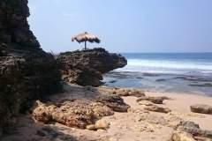 Sonnenschirm am Seruni Beach