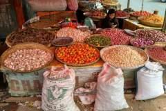 Händler auf dem Tomohon Extreme Market