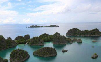 Blick auf die Inseln in Raja Ampat